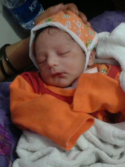 My cute little nephew, few hours after he was born... :)